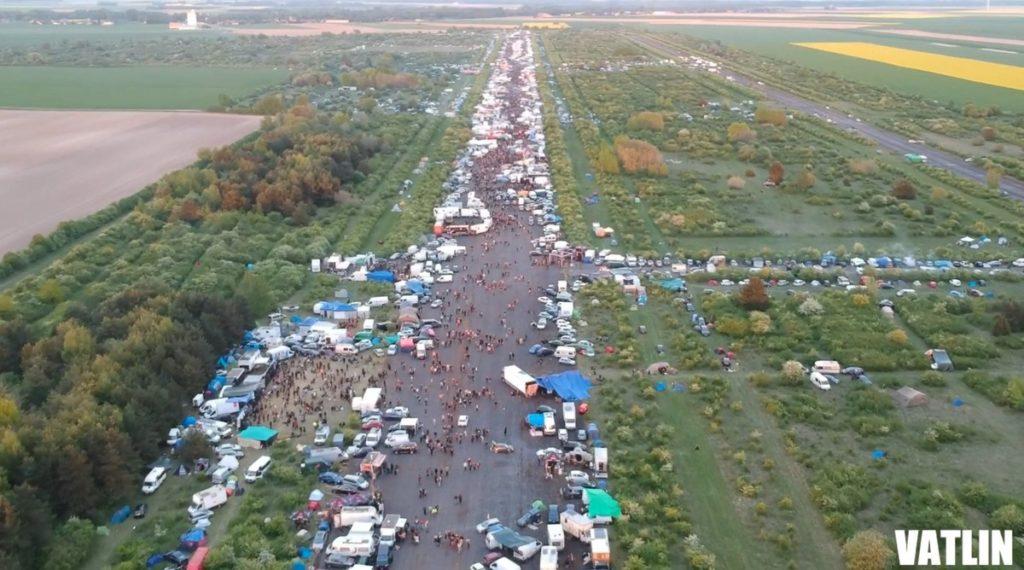 Teknival 2018 sur une piste d'avion désaffecter